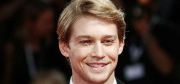 Joe Alwyn doesn't want to 'offer up' his relationship to 'be picked apart'