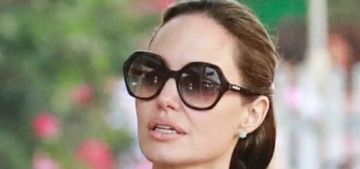 Us Weekly: Angelina Jolie is 'extremely hard to deal with,' according to Team Pitt