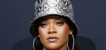 """""""Is Rihanna capable of making the bucket hat happen again?"""" links"""