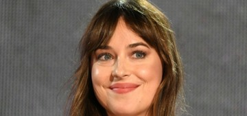 Dakota Johnson denies being pregnant with Chris Martin, but something is weird