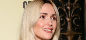 Rose Byrne showed off her newly blonde hair, looks practically unrecognizable
