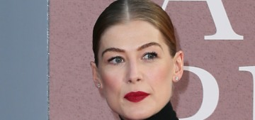 Rosamund Pike in Givenchy at 'A Private War' premiere: goth glam or too severe?