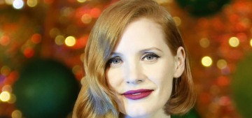 Please enjoy these photos of Jessica Chastain, velvet, jewelry & a Christmas tree