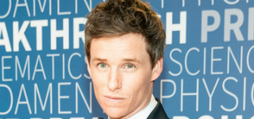 Eddie Redmayne is actually a pretty decent magician in real life