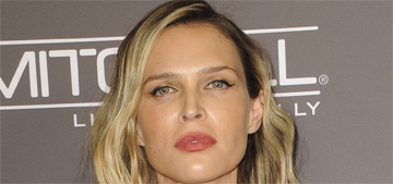 Sara Foster also does it with her husband in the shower, is this a thing?
