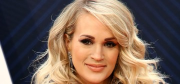 """""""Carrie Underwood did the same old thing at last night's CMT Awards"""" links"""