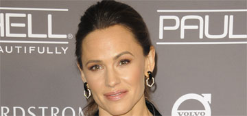 Jennifer Garner & Ben Affleck had a family Thanksgiving, she'll spend XMas with BF