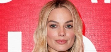 """""""Margot Robbie's Chanel-denim look was not all that great"""" links"""
