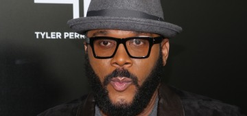 """Tyler Perry & Kid Rock are paying off people's layaways for Christmas"" links"