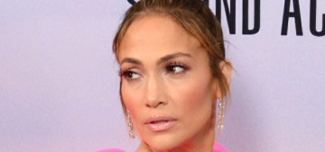 Jennifer Lopez's Giambattista Valli look was too big & too dramatic for the red carpet