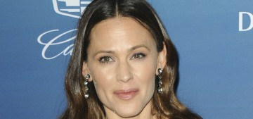 Jennifer Garner in a black gown for the Art of Elysium gala: high-end or no?