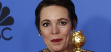 Olivia Colman thanked her 'bitches,' Emma Stone & Rachel Weisz, at the Globes