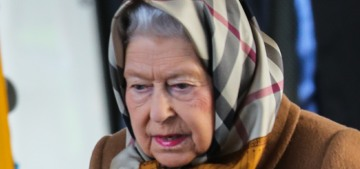 Queen Elizabeth rewears her scarves, purses & gloves for decades
