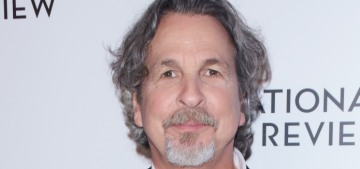 Peter Farrelly apologizes for whipping it out so often in front of coworkers in the '90s
