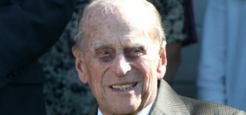 Prince Philip & the Queen's customized Land Rovers don't have seatbelt warnings