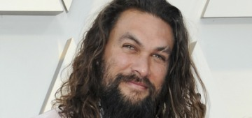 Jason Momoa's pink Fendi scrunchie at the Oscars was sort of awesome