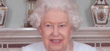 What's going on with Queen Elizabeth's severely bruised-looking hand?