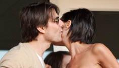 Tom Cruise & David Beckham flirt as Posh fumes & sulks