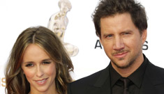 Jennifer Love Hewitt is engaged to Jamie Kennedy (Update: they're idiots)
