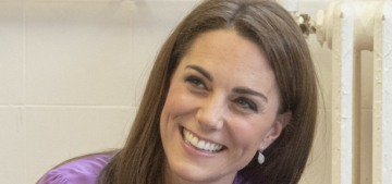 Did Duchess Kate wear her Gucci blouse backwards on purpose??