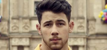 """""""Nick Jonas bought Priyanka Chopra a new Maybach"""" links"""