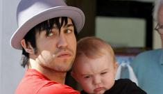 Pete Wentz tries to convince Ashlee Simpson to have another baby