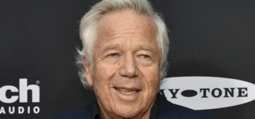 Florida prosecutors offered to drop the solicitation charges against Robert Kraft