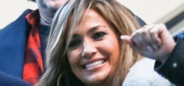 Jennifer Lopez went on a happy-family pap stroll amid rumors of A-Rod's infidelity