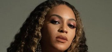 Beyonce & Jay-Z were honored with the Vanguard Award at the GLAAD Awards