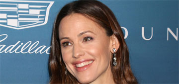Jennifer Garner is still with her boyfriend, loves that he 'is just a simple guy'