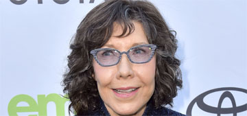 Lily Tomlin has photos of meeting Andy Warhol but doesn't remember being there
