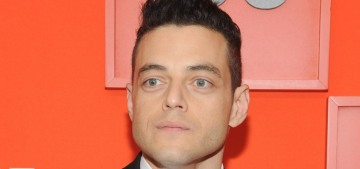 Rami Malek is totally chill & humble while dining alone in public in NYC