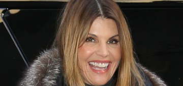 Lori Loughlin's defense is that she was too stupid to know she was doing crimes