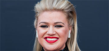 Kelly Clarkson had an appendectomy after the BMAs, was in pain for a week before that