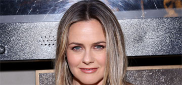 Alicia Silverstone washes & reuses plastic bags, never uses paper towels