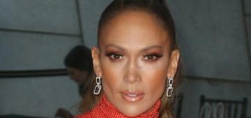 Jennifer Lopez hadn't driven a car in 25 years & she got a Porsche for her b-day