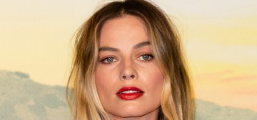 Margot Robbie in Dries Van Noten at the Roman 'OUATIH' premiere: perfect or nah?