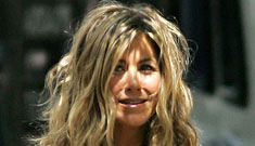 "Jennifer Aniston set to star in cougar-type film ""Pumas""; nips out on set"