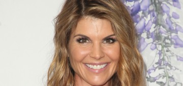 Lori Loughlin still thinks she could get a plea deal with no jail time & a big fine