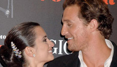 Matthew McConaughey and Penelope Cruz at the Volver Premiere