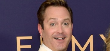 Thomas Lennon shaded the hell out of Felicity Huffman at the Emmys