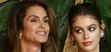 Kaia Gerber: It 'takes a moment' to realize if I'm looking at a photo of myself or my mom