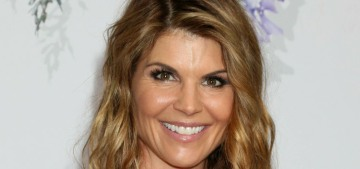 People Mag: Lori Loughlin 'believes she was duped by unscrupulous people'