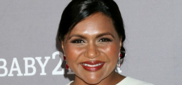 Mindy Kaling & Kamala Harris joined up to cook Indian food & judge each other