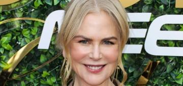 2020 Golden Globes Open Post: Hosted by Nicole Kidman's fug robe-coat
