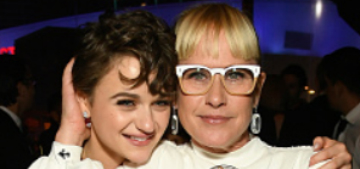 Patricia Arquette hit Joey King in the head with her Golden Globe