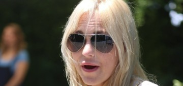 Anna Faris got a canary-yellow diamond halo ring for her third engagement