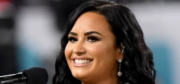 Demi Lovato sang the anthem at the Super Bowl while Beyonce & Jay-Z sat
