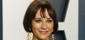 Rashida Jones is mad Amy Poehler didn't tell her about the wine shop she owns