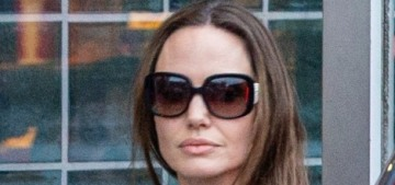 E!: Angelina Jolie & her six kids are social distancing at home in LA